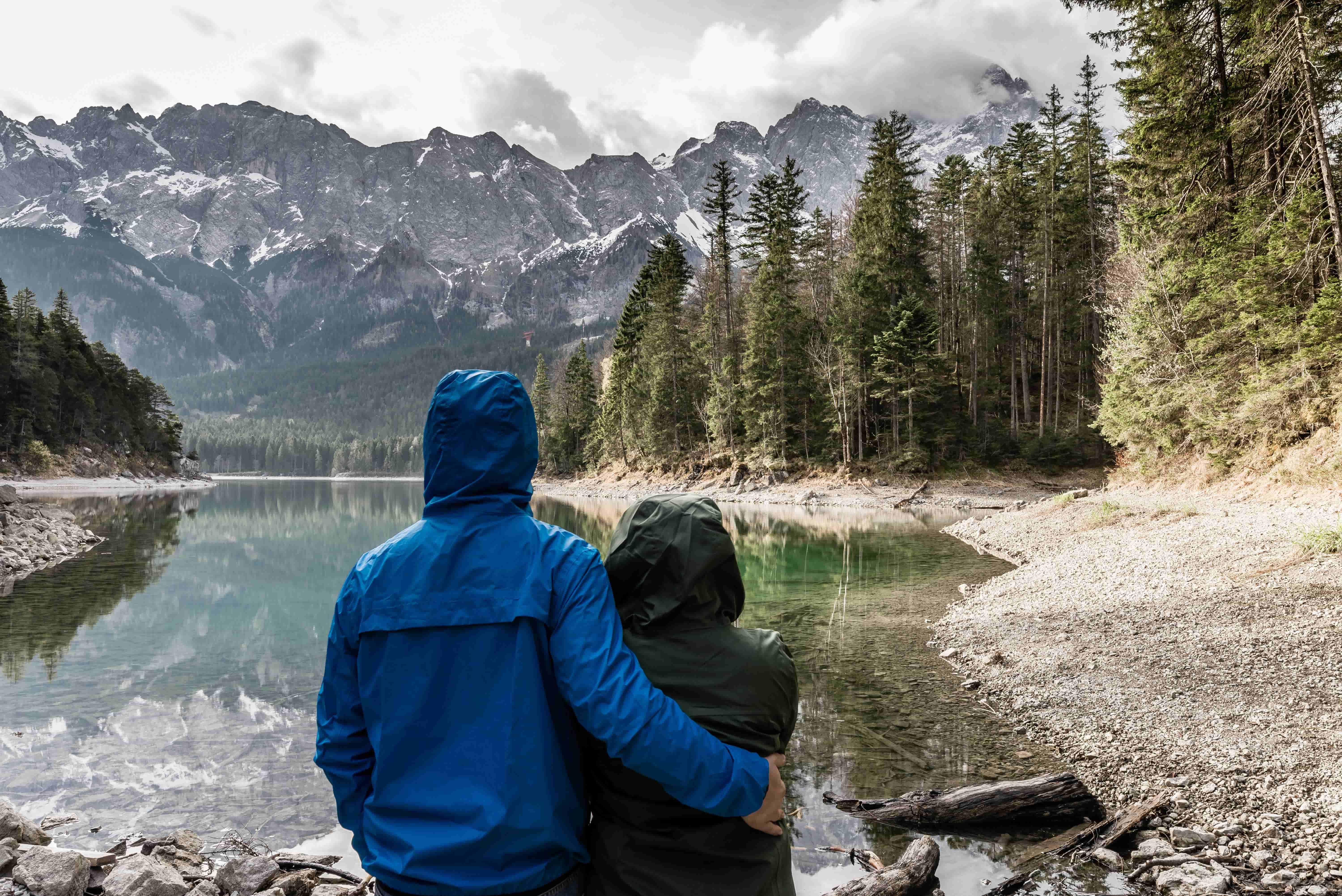 adventure-back-view-bavaria-404960-min